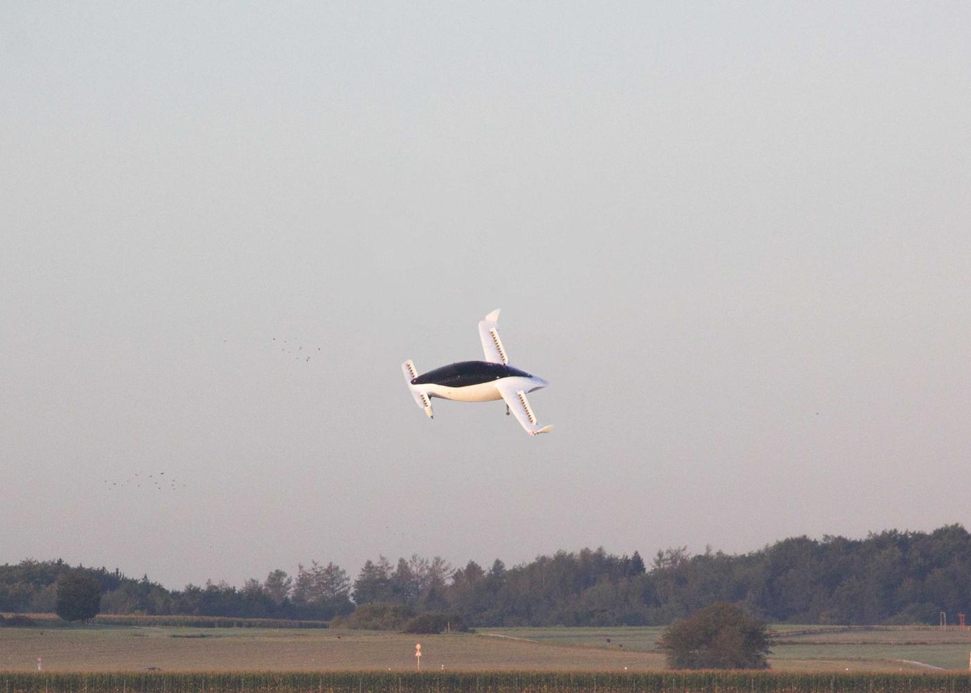 Lilium Jet flight test