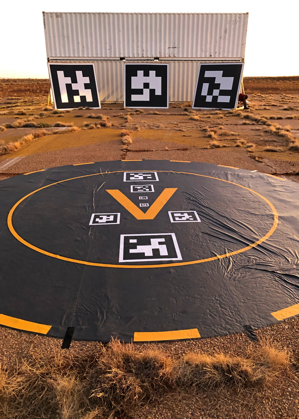 Honeywell automated landing system visual markings
