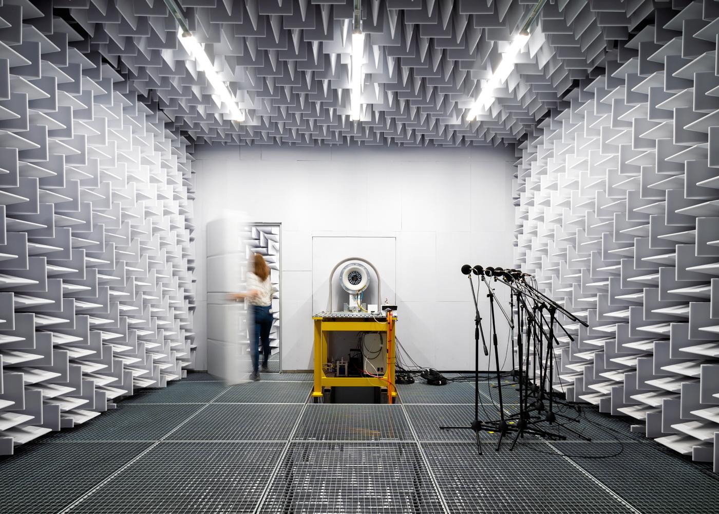 Lilium acoustics lab
