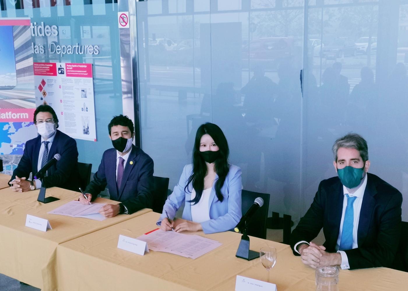 EHang and Aeroports de Catalunya agreement signing
